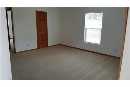 Picture of House for Rent at 5 NW 210 Road, Warrensburg, MO 64093