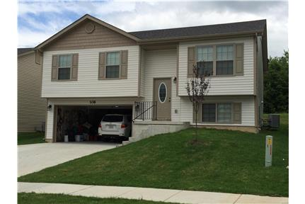 Newer 4 Bed 3 Bath Split Level with Deck! for rent in Wentzville, MO