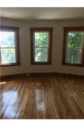 Spacious Four Bedroom In Worcester Ma